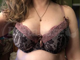 70H - Comexim » Triss 3hc Wearing bra - Front shot