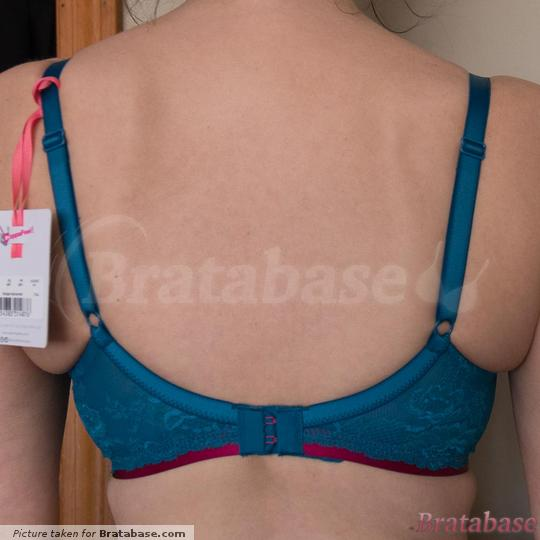 Avert your eyes, lol. I felt the need to tighten when first tried on. Now wearing on first set of hooks and it feels snug enough and  still stays in place. | 30F - Cleo » Morgan Moulded Balconnet T-shirt Bra (9361)