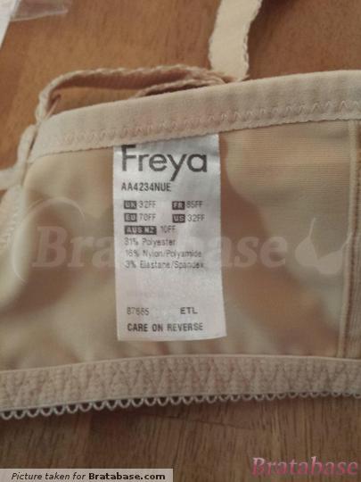 | 32FF - Freya » Deco Moulded Plunge Bra (4234)