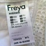 Thank goodness for this--had I not shot it, never would have realized I received wrong bra and wrong size.