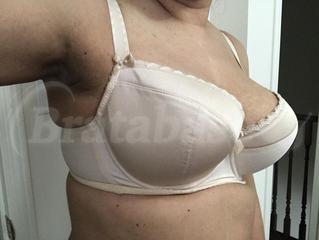 75H - Comexim » Basic Plunge Bra (170) Wearing bra - Side view