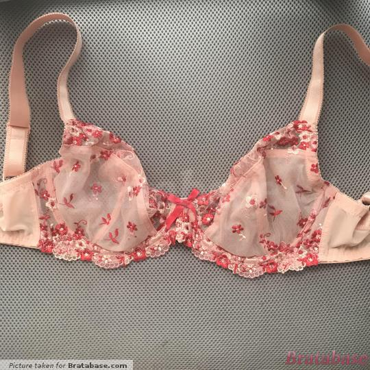 A picture of the whole bra from the front. | 30FF - Pour Moi » Ditsy Plunge Underwired Bra (8802)