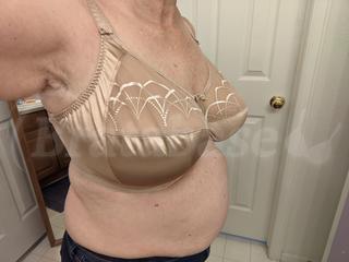 38H - Elomi » Cate Banded Bra (4030) Wearing bra - Angle shot