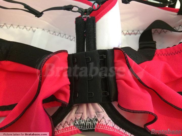 Hook & eye closure on back of bikini | 85GG - Ewa Michalak » S Kostium Saint-tropez - Góra (816)