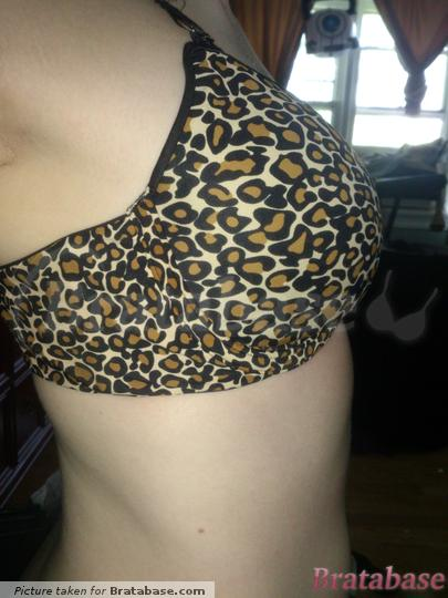 | 32DD - Frederick's Of Hollywood » Hollywood Reversible Plunge (