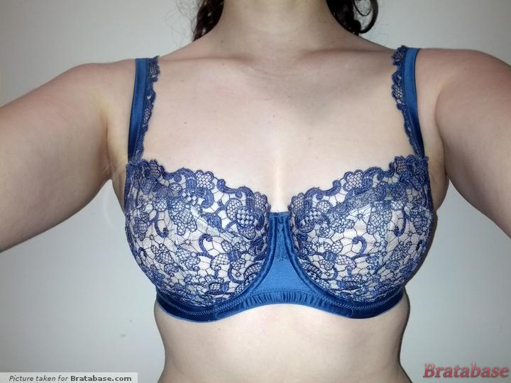 Apex shifted up, upper cup panel tucked under | 28FF - Masquerade » Persia Non Padded Balconnet Bra (6581)
