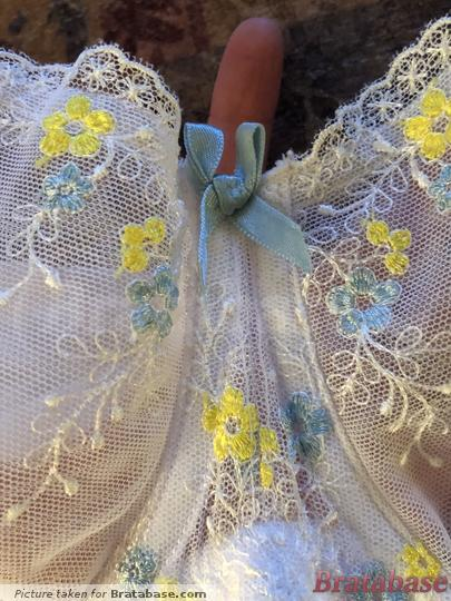 Lace details and bow at the gore | 28G - Cleo » Harry (5161)