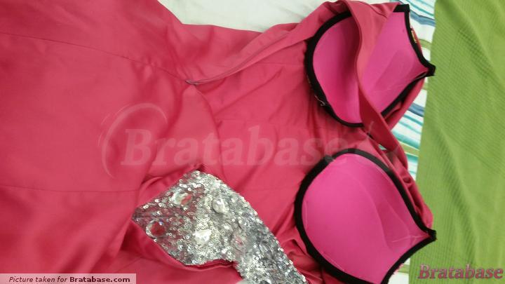 Sewed to my dress | 36DD - La Senza » Body Kiss Push-up Bra (112701-021)