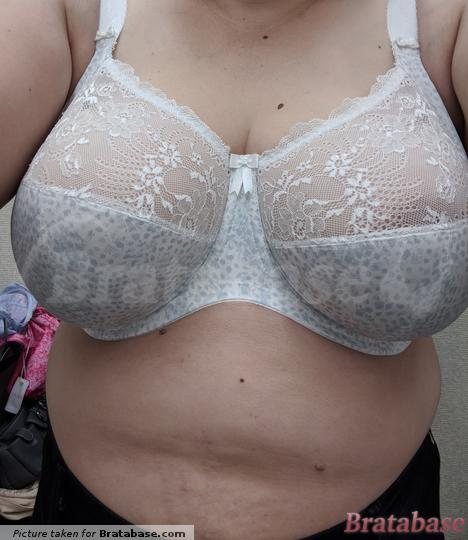 This is with the straps in their natural position. | 36HH - Elomi » Morgan Banded Bra (4110)
