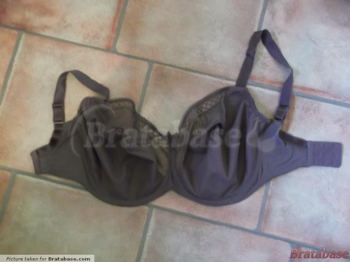 Alana bra (34L) stretched out. | 34L - Bravissimo  » Alana (AU01)