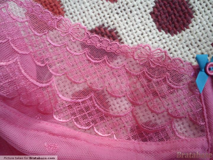 Front View of Lace Pattern of Cup | 30H - Cleo » Marcie (6831)