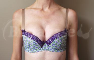 55F - Comexim » Mia Half Cup (567) Wearing bra - Front shot