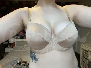 32F - Ivory Rose Lingerie » Fuller Bust Strapless Multi-way (99 Wearing bra - Front shot
