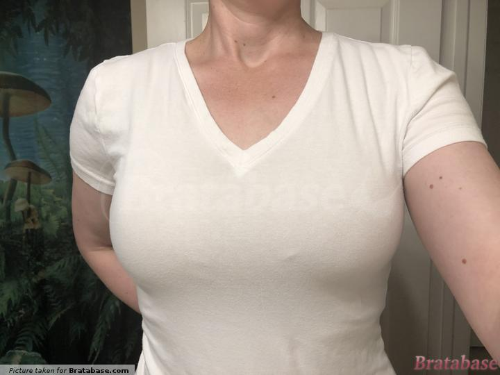 Under a cotton t-shirt | M-BUSTY - Kindred Bravely » Organic Cotton Wireless Nursing Sle