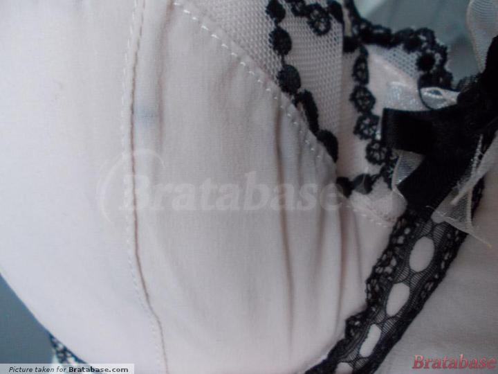 That little black blob is a small piece of thread - see review!   30F - Parfait By Affinitas » Daisy Padded Bra (1901)