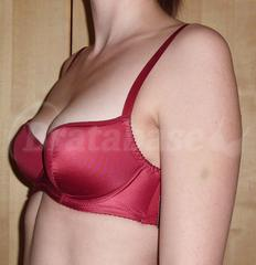 2b0ff780fe82f 70D - Only Her » Chili (1005) Wearing bra - Angle shot