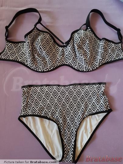 Bra size 32HH. High waist pants size L. | 32HH - Freya Swim » Gatsby Sweetheart Padded Bikini Top (5861)